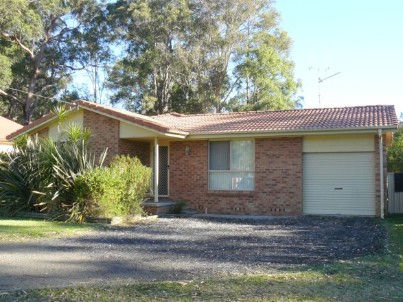 3 Bedroom Brick Home on 1012 sqm block in Town