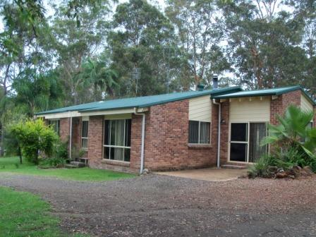 THREE BEDROOM BRICK HOME ON 5004SQM BLOCK